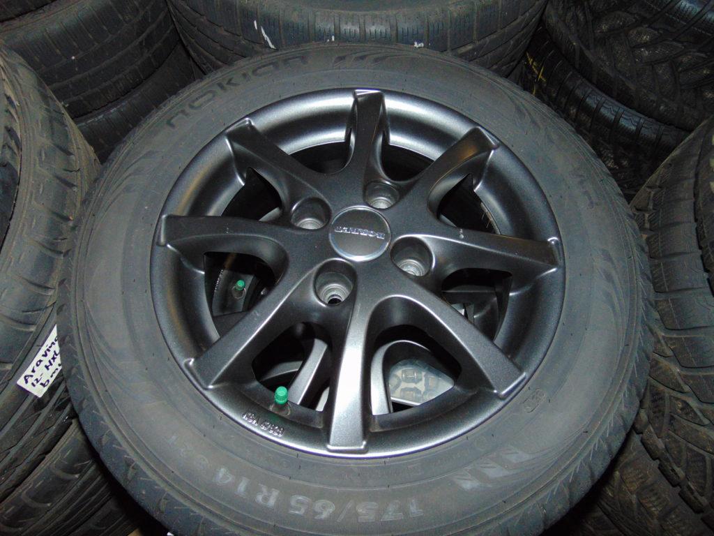 Onwijs Ford Ka 14 inch LM velgen + 175-65-14 Winterbanden - OWT Wheels DT-55